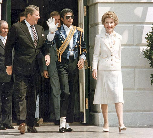 Michael_Jackson_with_the_Reagans