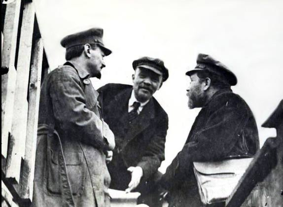 Trotsky (left) Lenin (centre)
