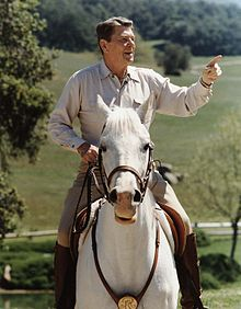 Reagan_on_horseback