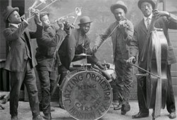 1920s-Jazzing_orchestra_1921