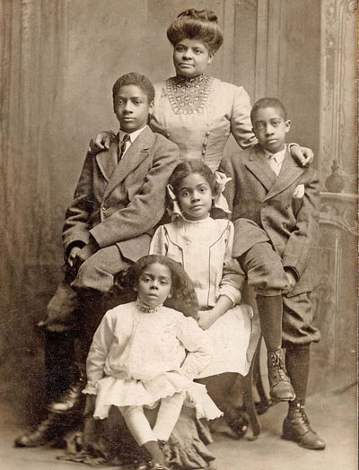 Ida_B_Wells_with_her_children,_1909