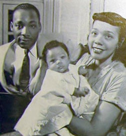 Martin_Luther,_Coretta_Scott_and_Yolanda_Denise_King,_1956