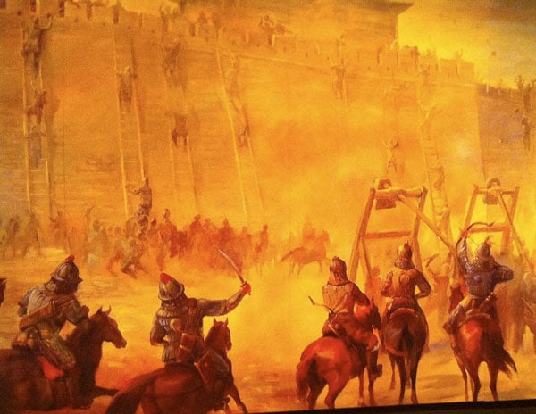 Mural_of_siege_warfare,_Genghis_Khan_Exhibit,_Tech_Museum_San_Jose,_2010