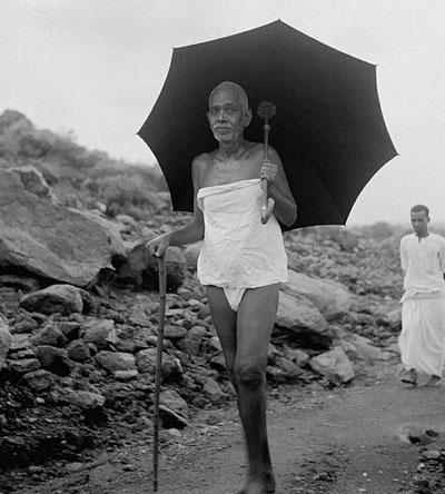 Ramana-Maharshi-walk