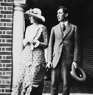 Virginia_and_Leonard_Woolf,_1912