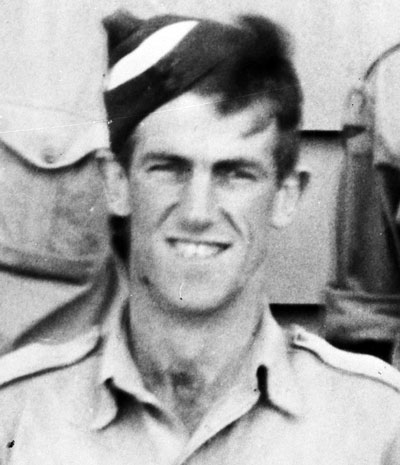 Edmund_Hillary_at_Delta_Camp_near_Blenheim_during_WWII